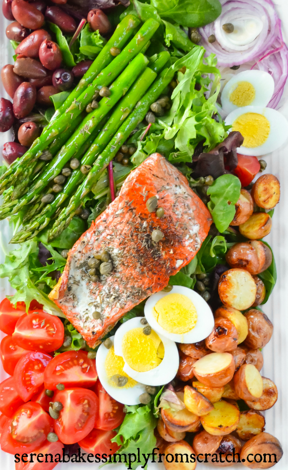 Salmon Nicoise Salad- So good and easy to make! An easy lunch or dinner! serenabakessimplyfromscratch.com