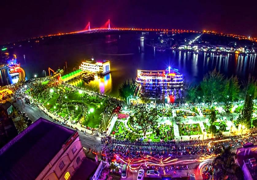 Toàn cảnh bến Ninh Kiều