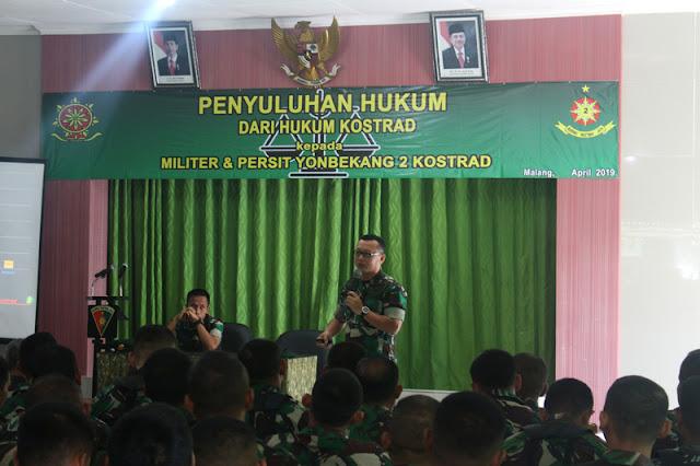 Prajurit Yon Bekang 2 Kostrad Menerima Penyuluhan Hukum dari Hukum Kostrad