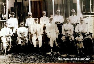 I- Mappanyukki, I-Mangimangi,  bersama H. Van der Wall (Controller)