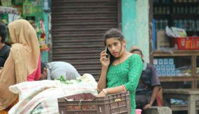 Tertangkap Kamera, Gadis Cantik Penjual Sayur Langsung Viral