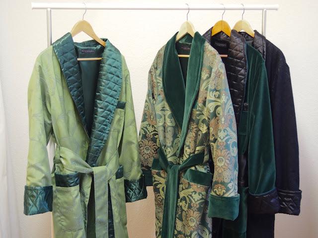 Hausmantel Herren Lang Warm Edel Exklusiv Elegant Grün Dunkelgrün Schwarz Gefüttert Paisley Morgenmantel Exquisit Englisch Schalkragen Dressing Gown