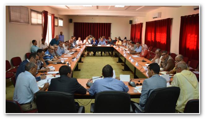 المجلس الجماعي لأيت ملول يرفض دعم شركة ألزا للنقل الحضري بأكَادير من خلال اشتراكات الطلبة قبل الاستجابة لطلبات تحسين جودة الخدمات.