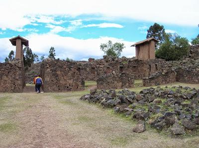 Ruinas Complejo Arqueológico de Viracocha, Perú, La vuelta al mundo de Asun y Ricardo, round the world, mundoporlibre.com