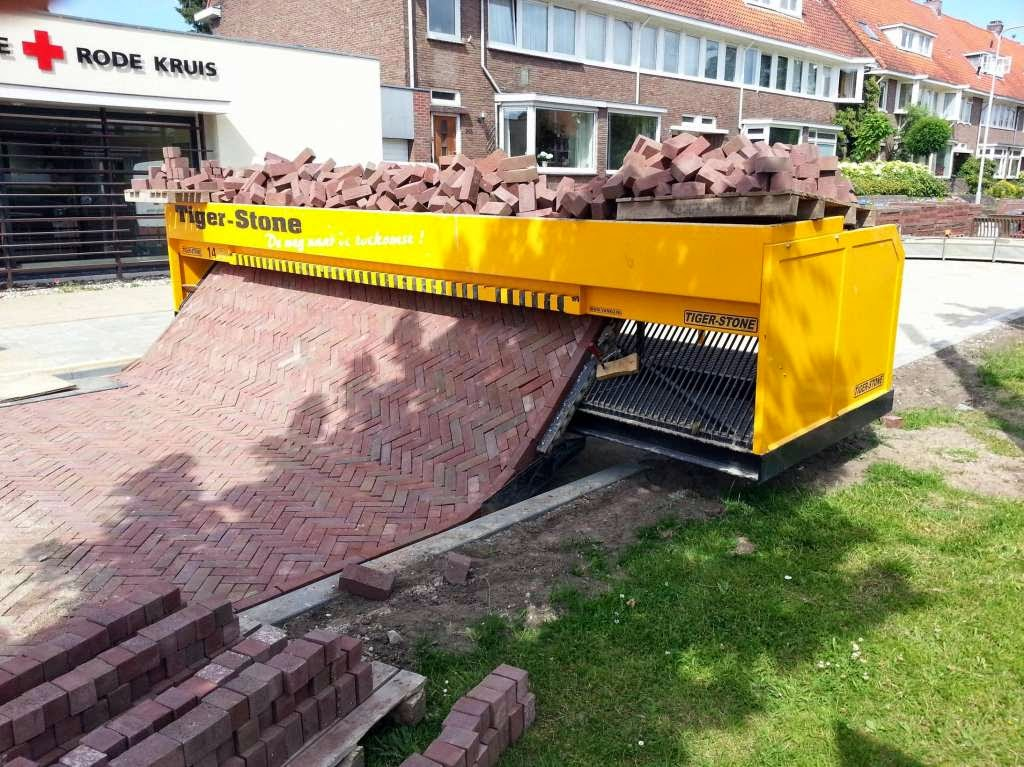46 Unbelievable Photos That Will Shock You - Path-Laying Machine
