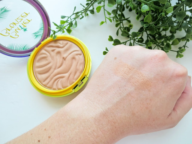 a picture of  Physician's Formula Butter Bronzer in Light Bronzer (swatch)