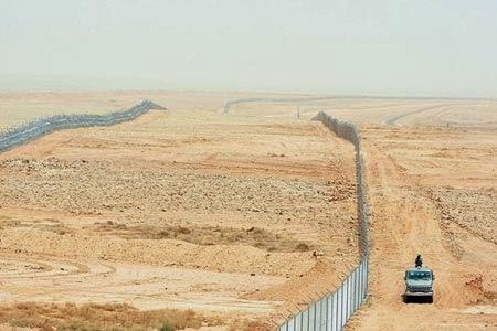 perbatasan+arab+dan+isis.jpg (450×300)
