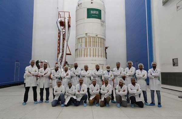 """تعرف على القمر السعودي الجديد للاتصالات """"SGS-1"""""""