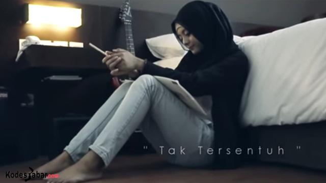 Irta Amalia Launching Single Perdana Berjudul Tak Tersentuh
