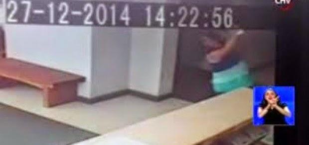 """f620x0 250821 250839 0 - Mujer es empujada por un """"ente paranormal""""?"""