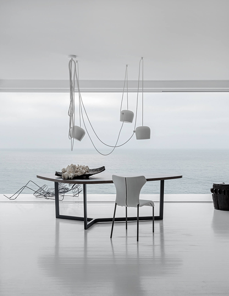 Contemporary home with breathtaking seaview. DESIGN Pamela Makin PHOTOGRAPHY Nicholas Watts and Felix Forest