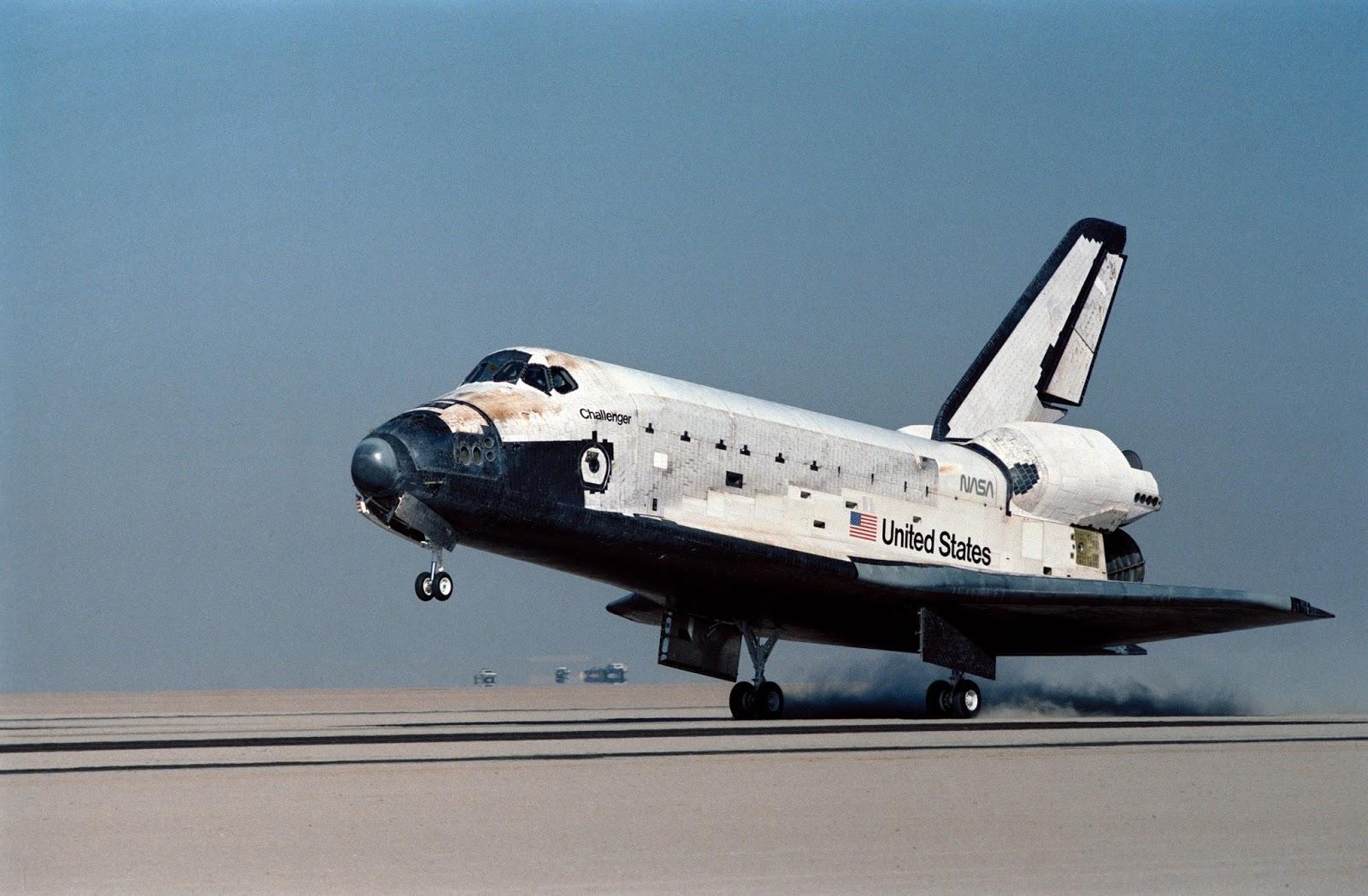 space shuttle challenger - 1024×671