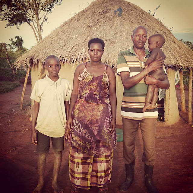 Michi um die Welt, Einmal um die Welt, Weltreise, worldtrip, Reiseblogger, Reiseblog, Travelblogger, Travelblog, Uganda, Backpacking, Dorf in Uganda fernab jeglicher Zivilisation