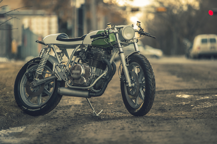 YAMAHA XS400 by Federal Moto.