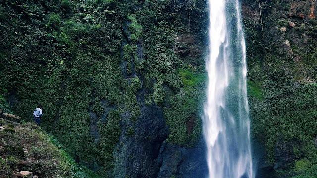Air Terjun Pelangi Bandung 1