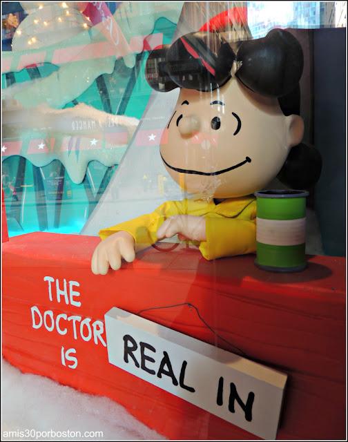 Escaparates del Macy's Dedicados al 50 Aniversario de Snoopy y Charlie Brown