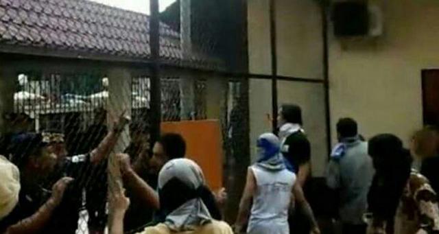 AGEN BOLA - Tahanan Teroris Mengamuk Di Mako Brimob
