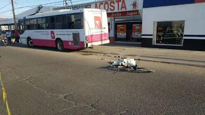 Ciclista muere tras ser arrollado por camión urbano