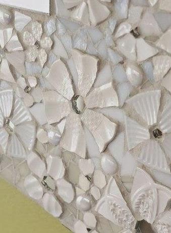 C mo decorar un espejo con platos rotos lodijoella for Espejos ovalados para decorar