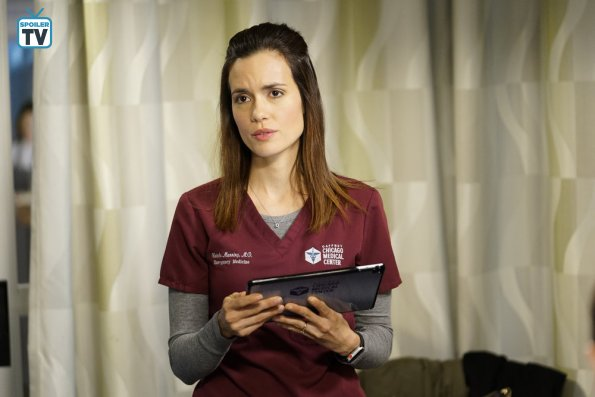 """NUP 185448 0370 595 Spoiler%2BTV%2BTransparent - Chicago Med (S04E13) """"Ghosts In the Attic"""" Episode Preview"""