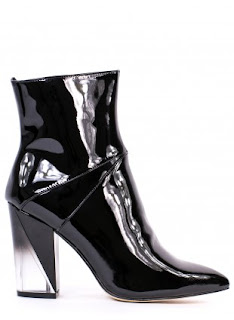 http://www.awin1.com/cread.php?platform=dl&awinmid=6645&awinaffid=245109&clickref=&p=http%3A%2F%2Fwww.lamoda.co.uk%2Fmesmerize-black-patent-heeled-boots