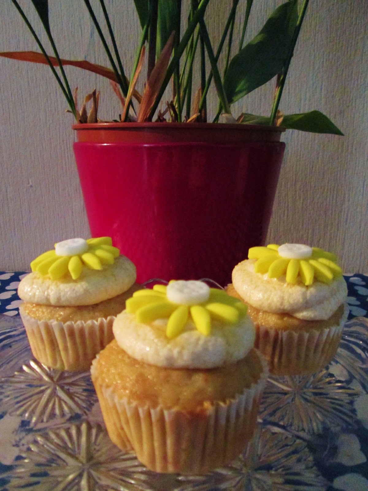 http://themessykitchenuk.blogspot.co.uk/2013/09/banana-cupcakes-with-honey-frosting.html