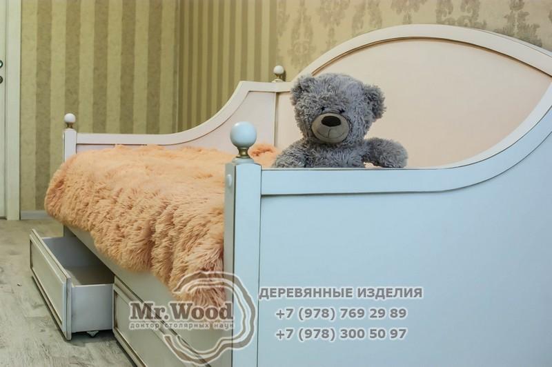Деревянные кровати в Севастополе