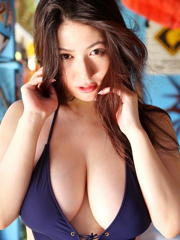 Foto Hot Model Jepang - Aki Hoshino