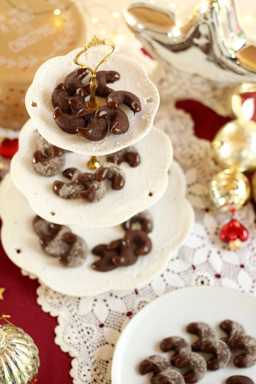 Zarte Schokoladen-Kipferl für die Weihnachtsbäckerei | Rezept und Video