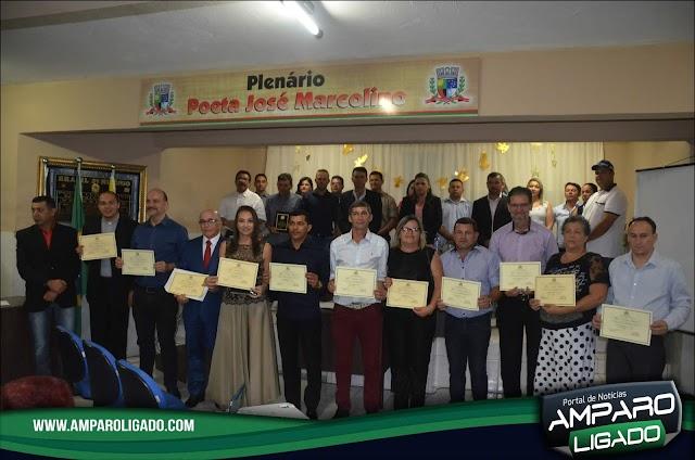 Câmara de Vereadores de Amparo encerra atividades em 2018 com entrega de títulos de Cidadão Amparense