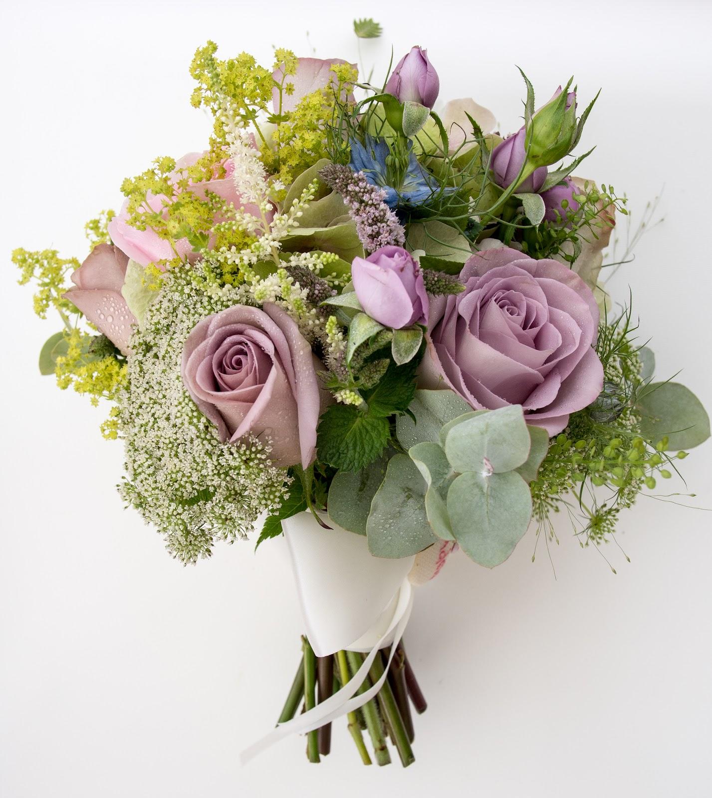"Vintage Flower Arrangements For Wedding: A Sneaky Peek At Lucinda & Phil's ""Vintage"" Wedding Day At"