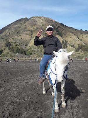 Asyiknya Berkuda di Bromo