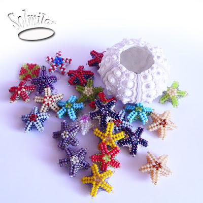 Kolorowe koralikowe rozgwiazdy