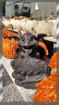 [Image: halloween%2Bgargoyle%2Bform%2Beastside%2...%2Bkas.jpg]