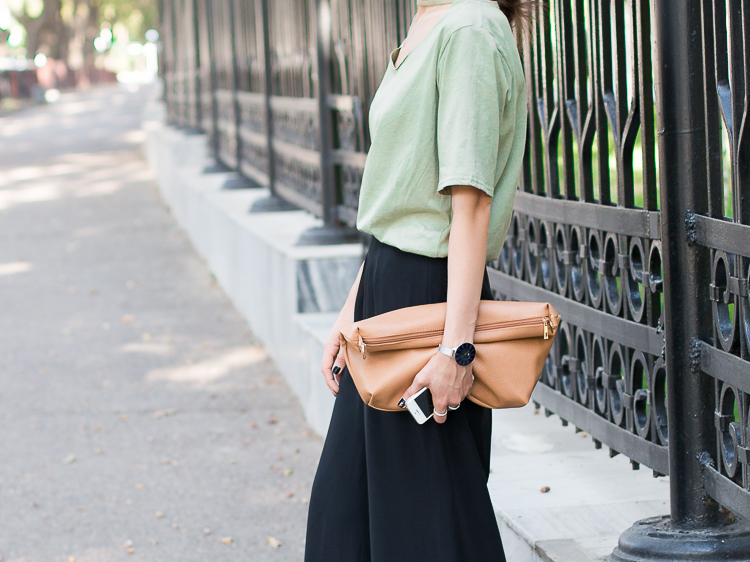 fashion-blogger-outfit-wide-leg-pants-street-style