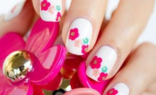 Ver uñas decoradas