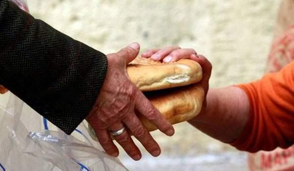 Βαρύ το φορτίο της παροχής βοήθειας σε ανήμπορους από το συσσίτιο του Ιερού Ναού της Ευαγγελίστριας Ναυπλίου