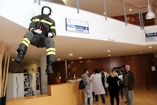 maniquí con los equipos de emergencias de PROTECTTION