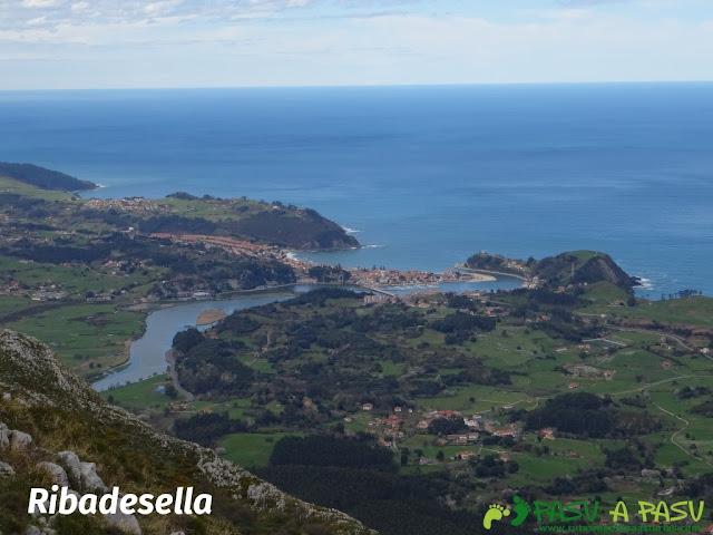 Sierra de la Cueva Negra: Desde el Alto Teyadera, vista de Ribadesella