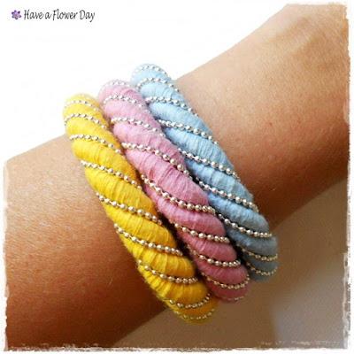Pulseras de cordón en tonos pastel · Rope bracelets in pastel color