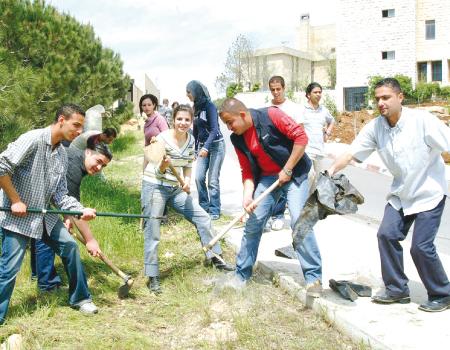 ما أهميةالعمل التطوعي في المجتمع