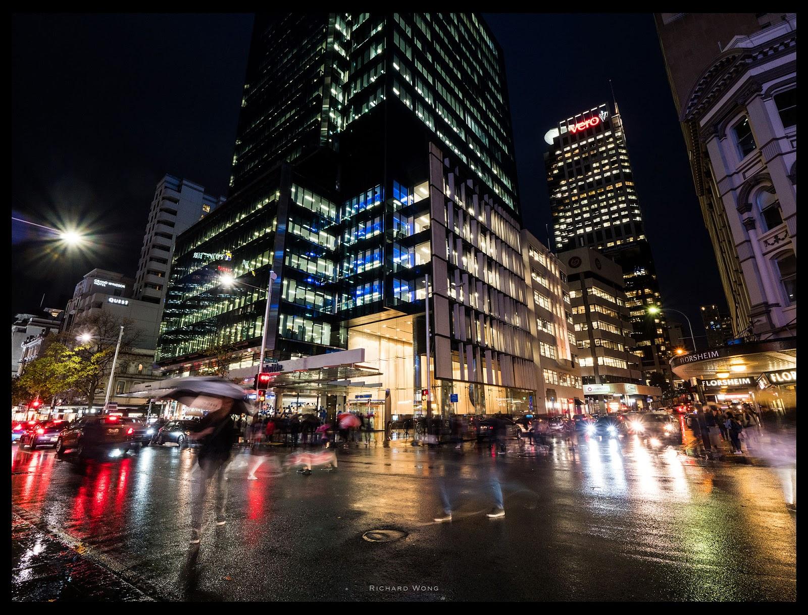 Ночной город после дождя