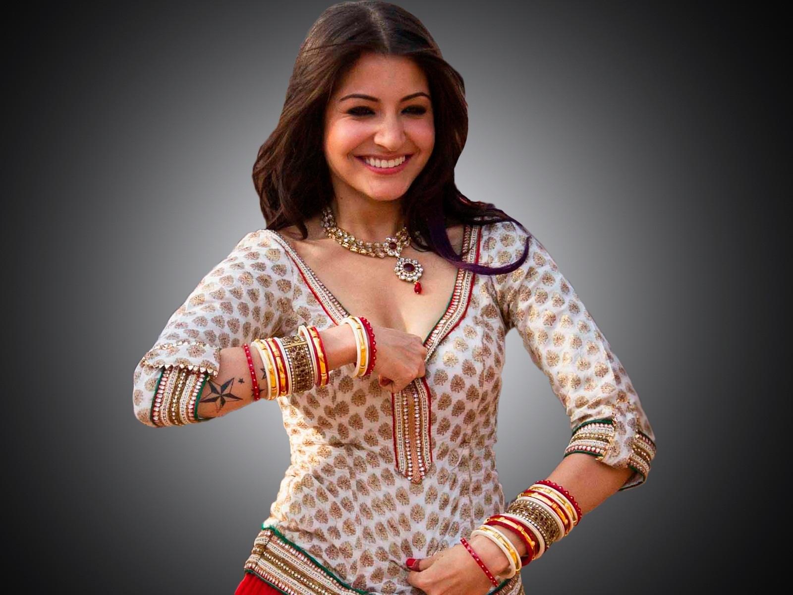 Anushka Sharma Mignon Hot Bikini Et Embrasser Unseen Images-7362