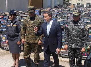Un total de 800 máquinas tragamonedas que fueron incautadas por operar de manera ilegal en distintos puntos del país fueron destruidas ayer en un acto que fue encabezado por el procurador general de la República, Jean Alain Rodríguez, en el municipio de Haina.