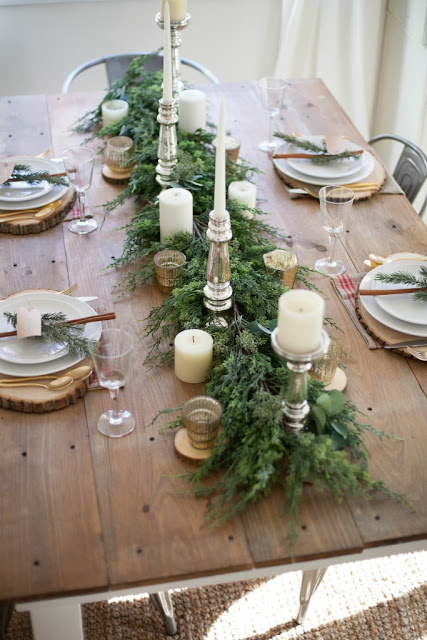http://www.laurenmcbrideblog.com/2016/11/farmhouse-christmas-tablescape/