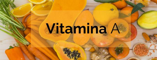 A vitamina A é na verdade a mesma coisa que o retinol - ou melhor, o retinol é apenas vitamina A. Se você ainda estiver confuso sobre o porquê de todos estarem obcecados com isso, aqui está o motivo: O retinol suaviza linhas finas, preenche rugas, suaviza inchaços e manchas ásperas, ilumina a pele, desbota cicatrizes e marcas escuras e reduz drasticamente a acne (até mesmo a acne cística hormonal).