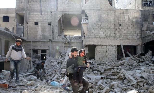 Pelo menos 260 pessoas morreram desde domingo à noite, de acordo com a ONG Observatório Sírio para os Direitos Humanos (OSDH), com sede em Grã-Bretanha.
