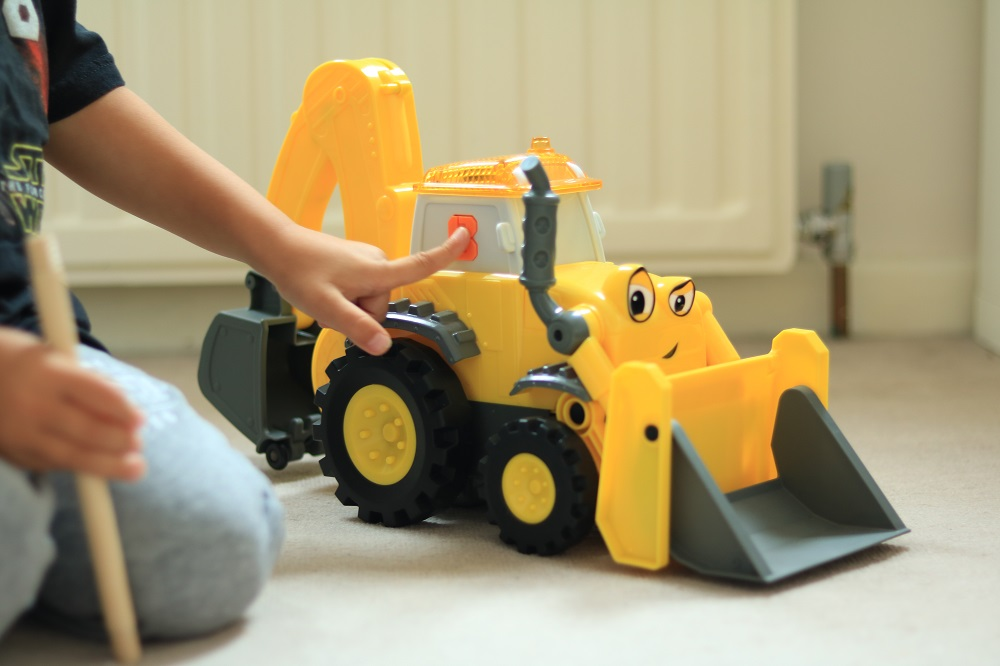 Review fisher price bob the builder rc super scoop bob the the fisher price rc super scoop is hilarious and so much fun its a remote controlled vehicle which brings scoop bobs best friend to life with movement sciox Images