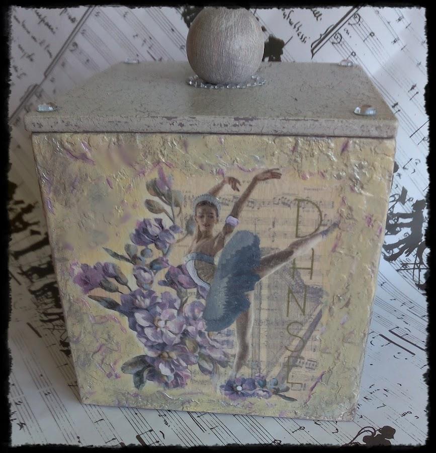 caja-decorada-por-lirtea