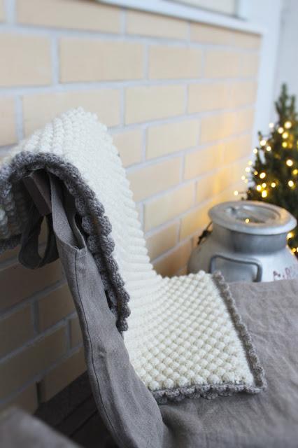 virkattu vauvan peitto, kuplavirkkaus, bobble stitch, baby blanket